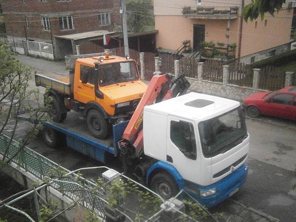камион рено с медерна визия за градски условия